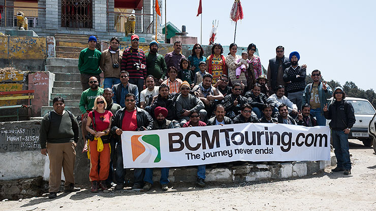 BCMTians at Jalori Pass, during BCMTouring's North India Meet.