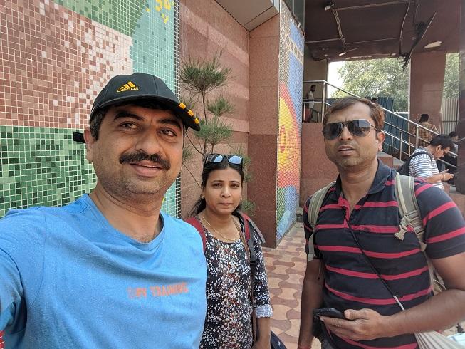 003-At Delhi Stn.jpg