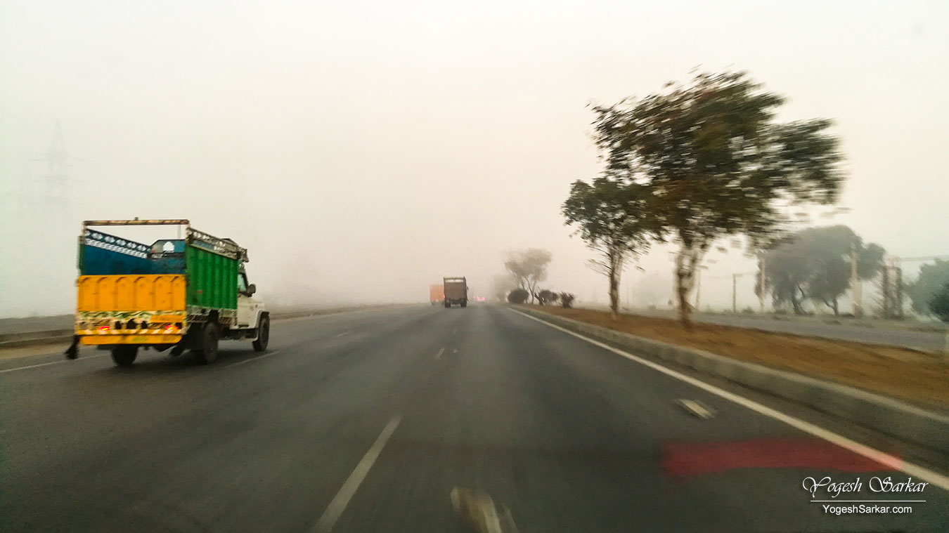 02-fog-on-nh-8.jpg
