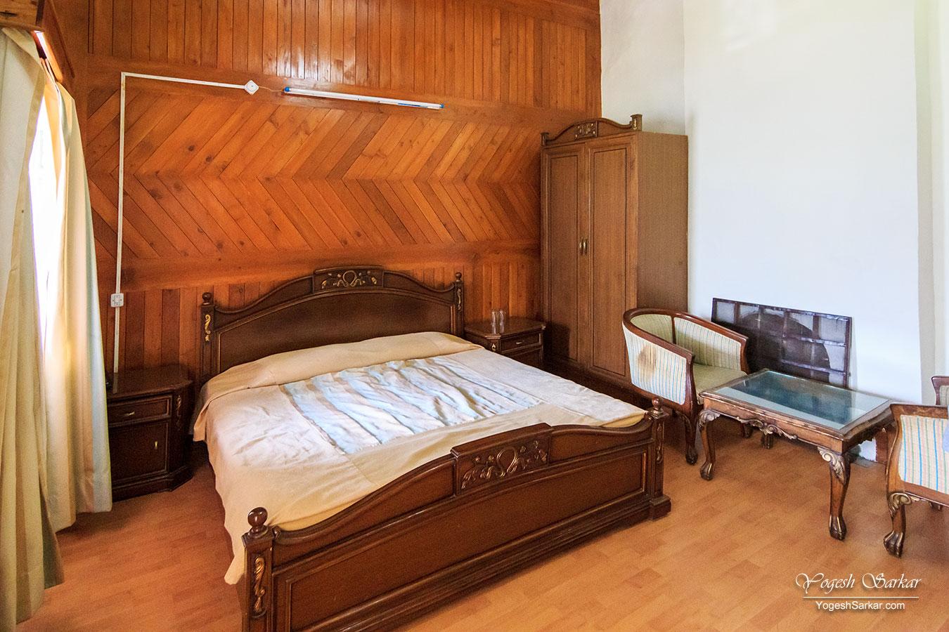06-naggar-castle-cozy-deluxe-room.jpg