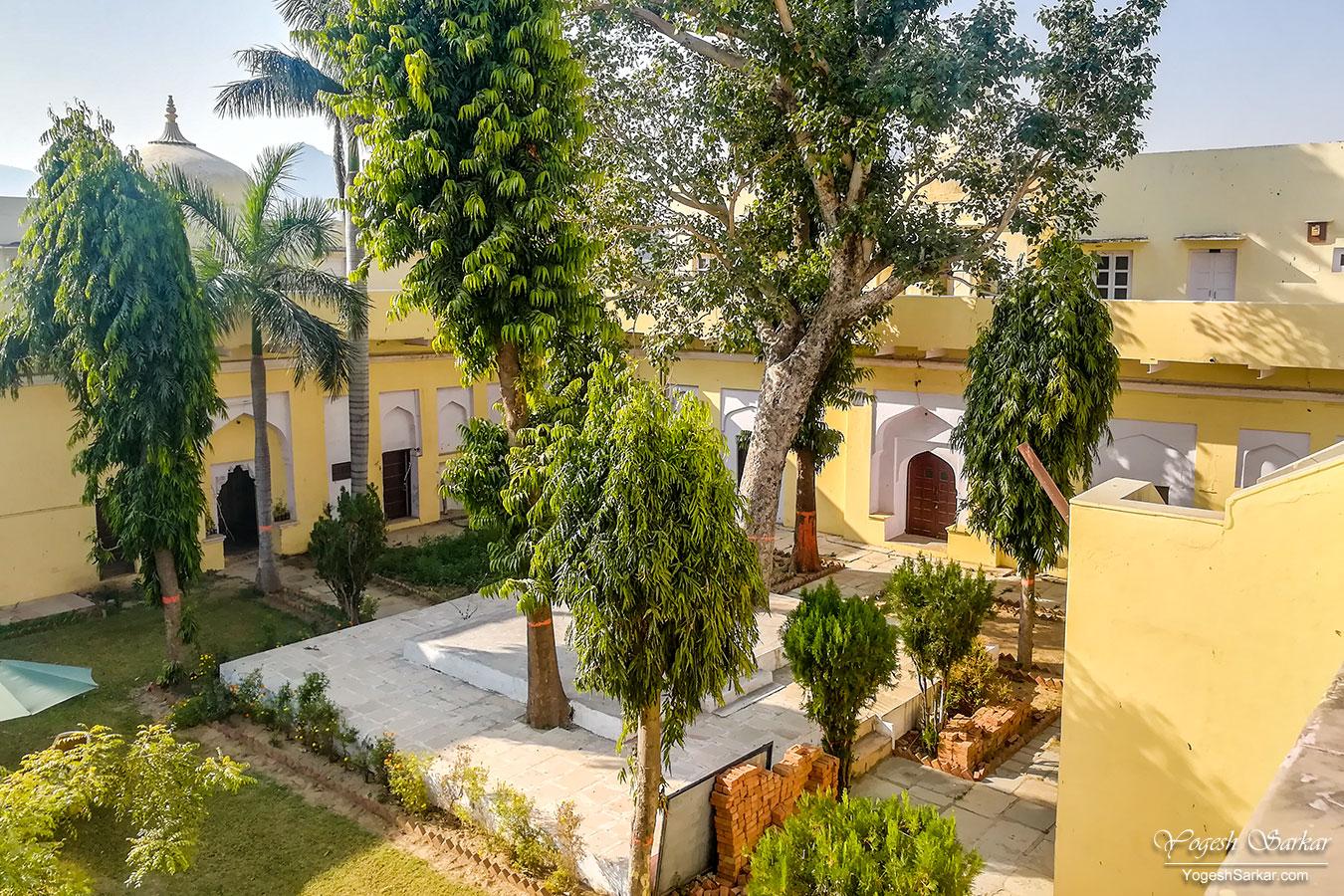 06-rtdc-pushkar-courtyard.jpg