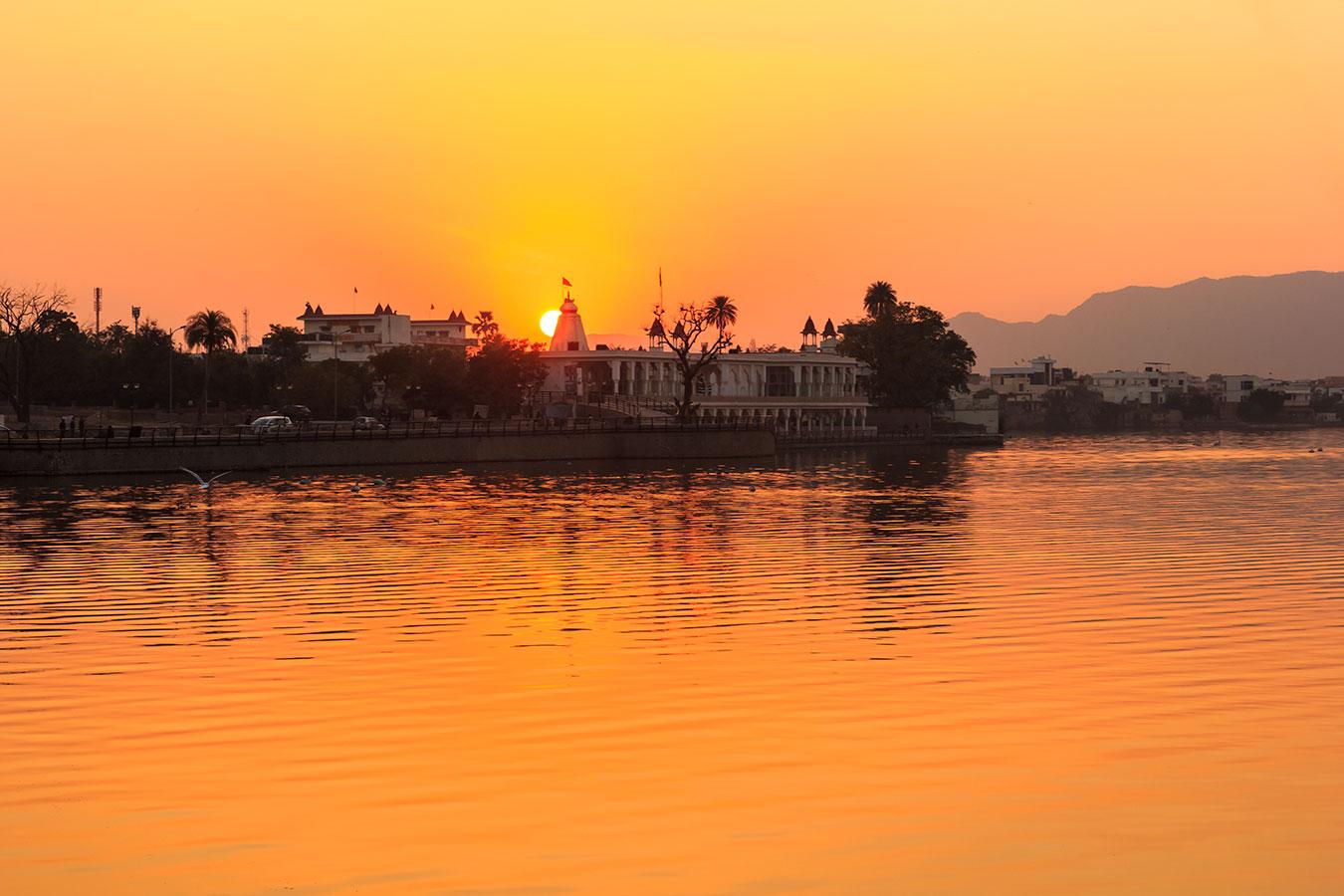 22-Rishi-Udyan-Swami-Dayanand-sunset.jpg