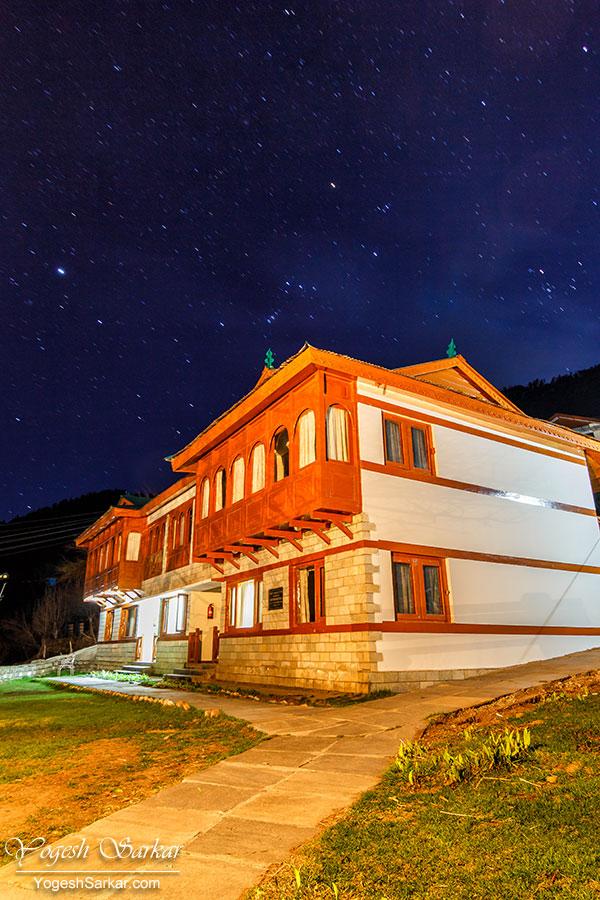 24-kailash-cottage-kalpa-at-night.jpg