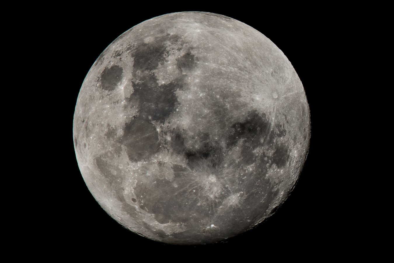 2_21_moon_DSC_4237.jpg