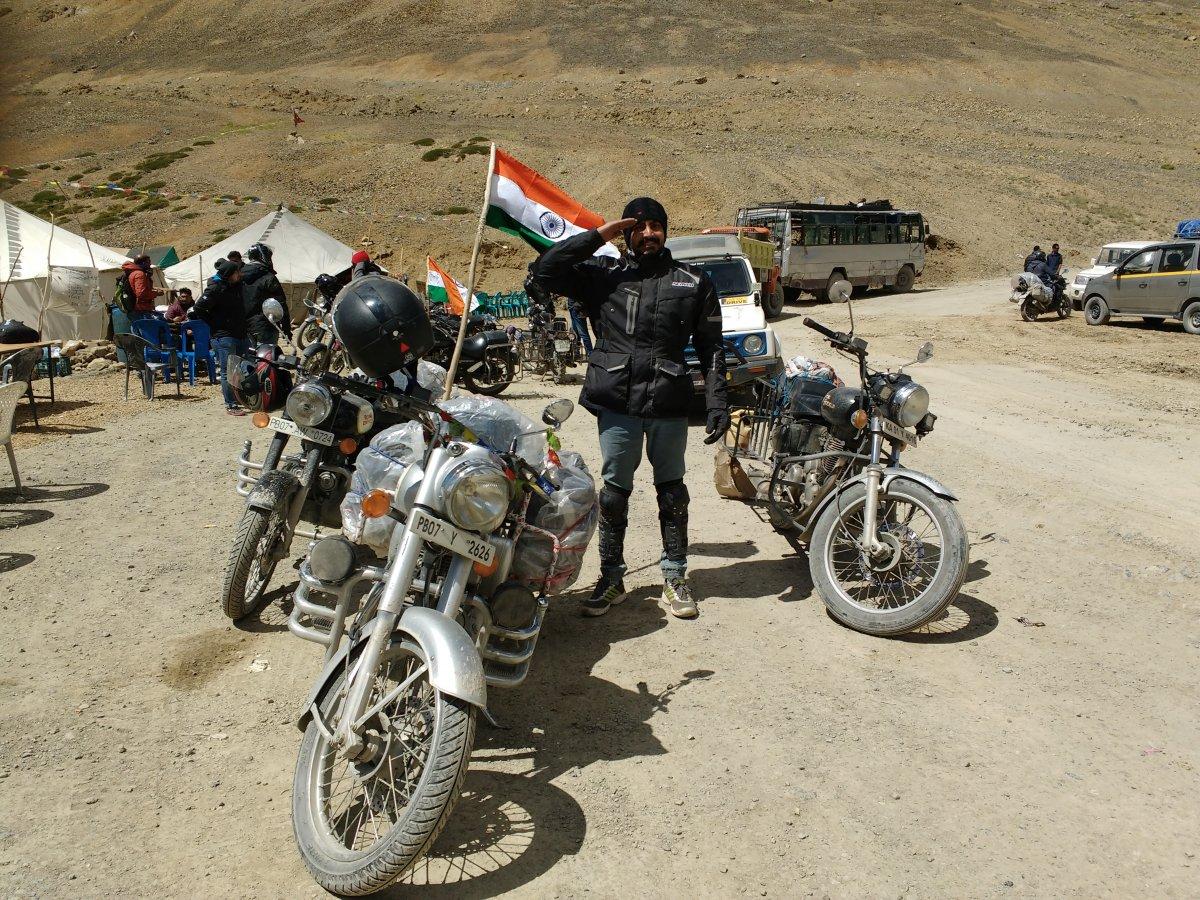 3.4.3 Nakeela Descend Flag.jpg