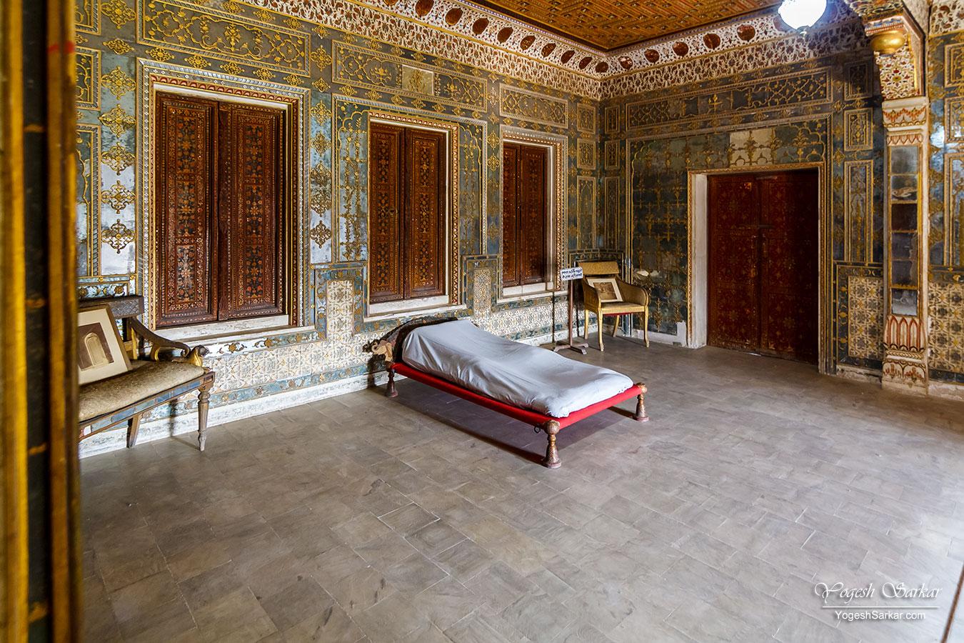 30-king-bed.jpg