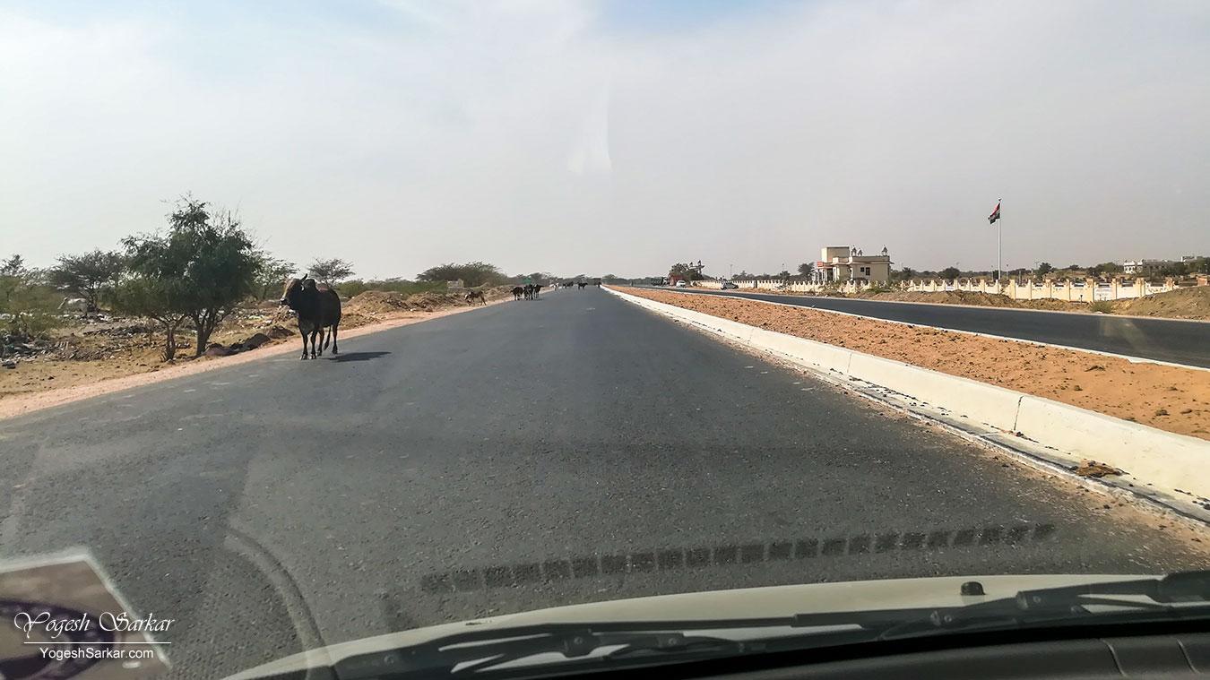 36-bikaner-jaisalmer-highway.jpg