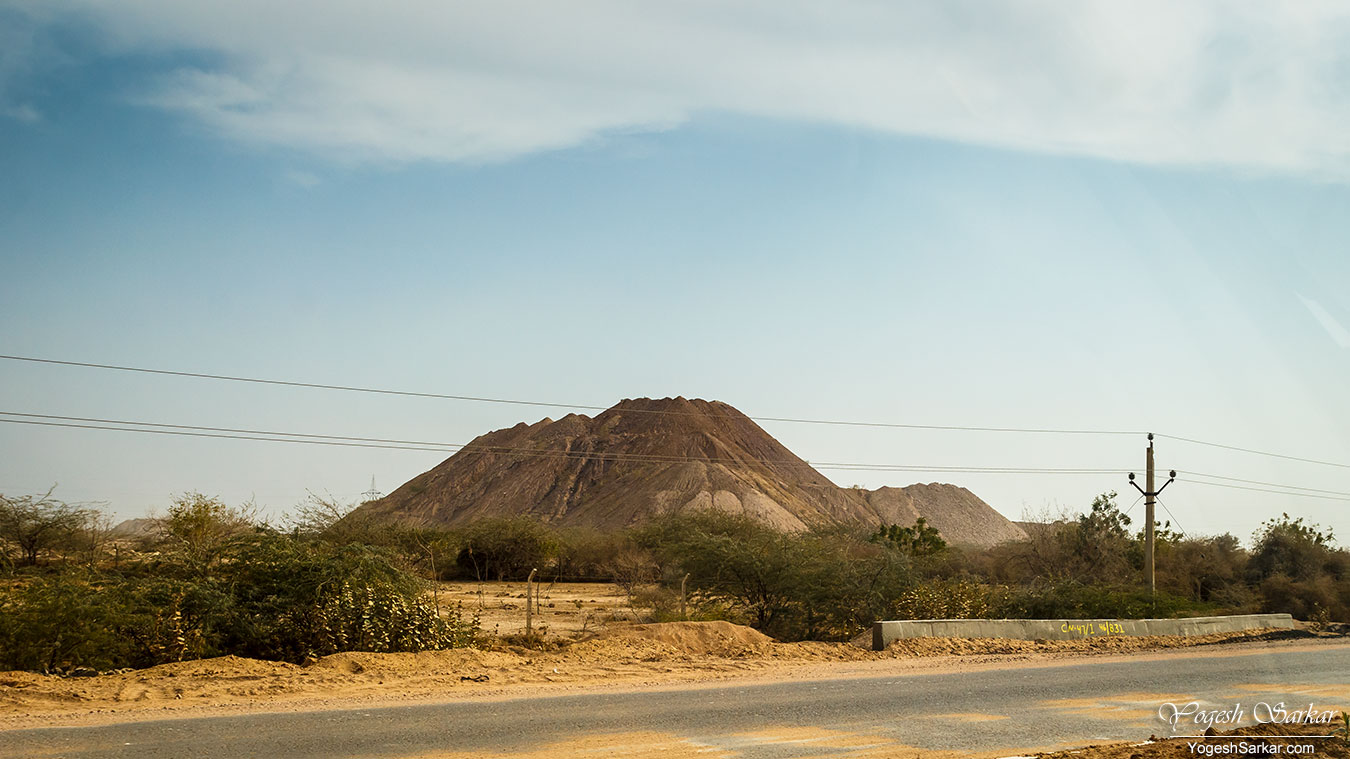 38-landscape-en-route-to-jaisalmer.jpg