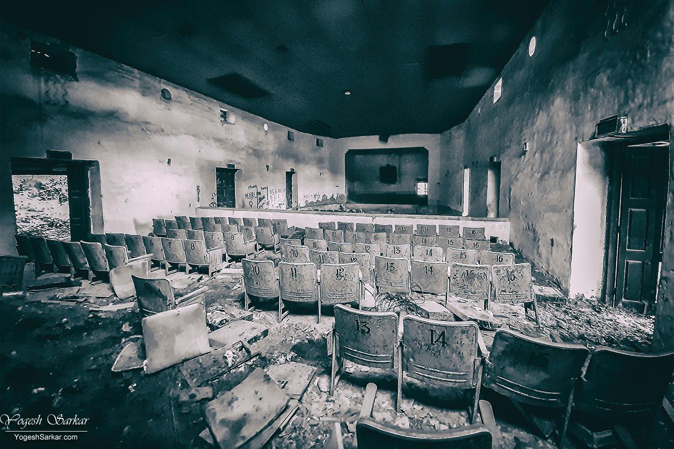 61-globe-theater-ranikhet.jpg