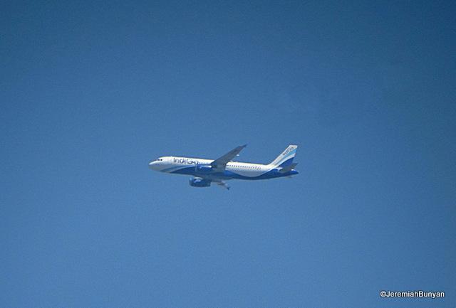 Aircraft VT-INZ.JPG