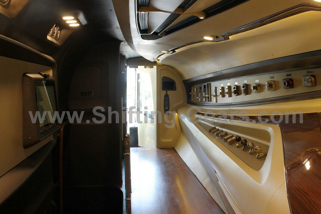 Volvo b9r page 3103 india travel forum bcmtouring Tour bus interior design