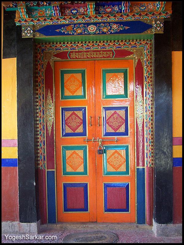 door-at-thiksey.jpg