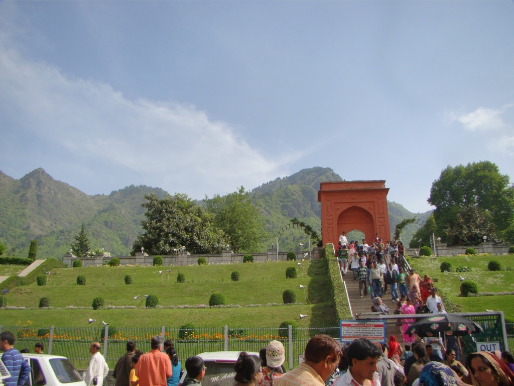 essay on my favourite holiday destination kashmir