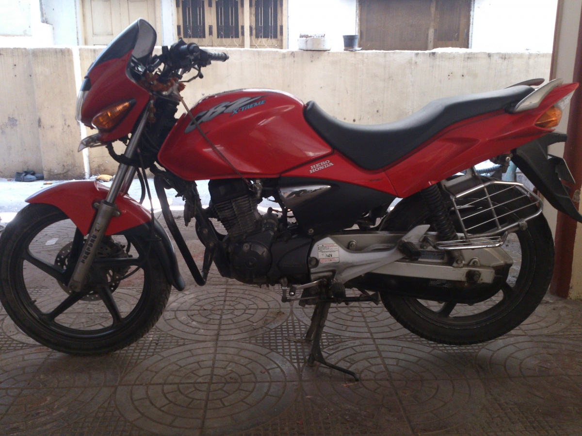Red colored CBZ Xtreme purchased in April 2007 is up for