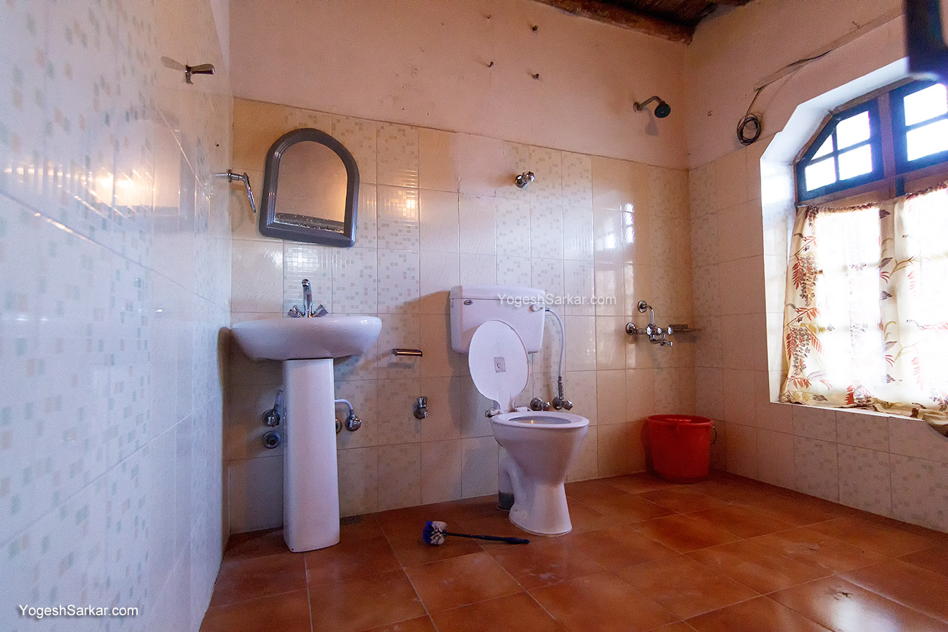 habib-guest-house-bathroom.jpg