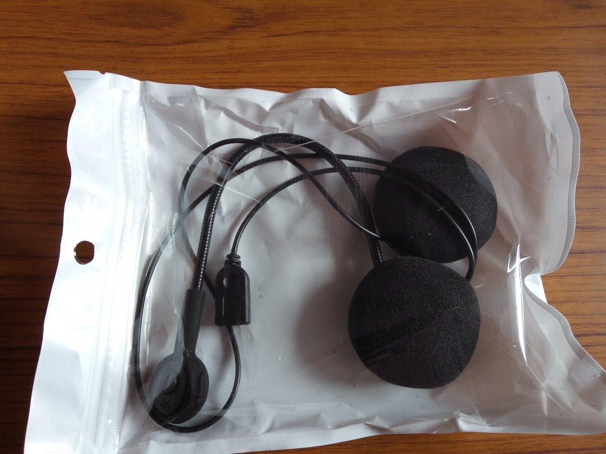 VEECOME Universal Motorcycle Helmet Headset Bluetooth Dual Stereo Speakers Hands-Free Music Call Control Mic Earphone Durable