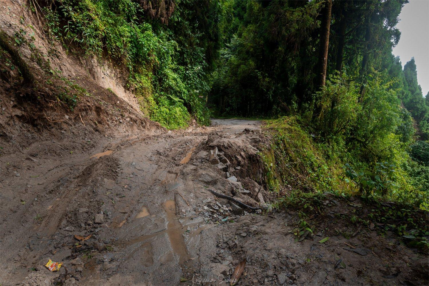 landslide-way-to-loleygaon.jpg