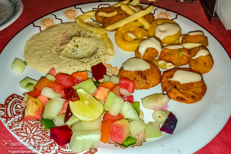 mix-veg-plate-evergreen-cafe-kasol.jpg