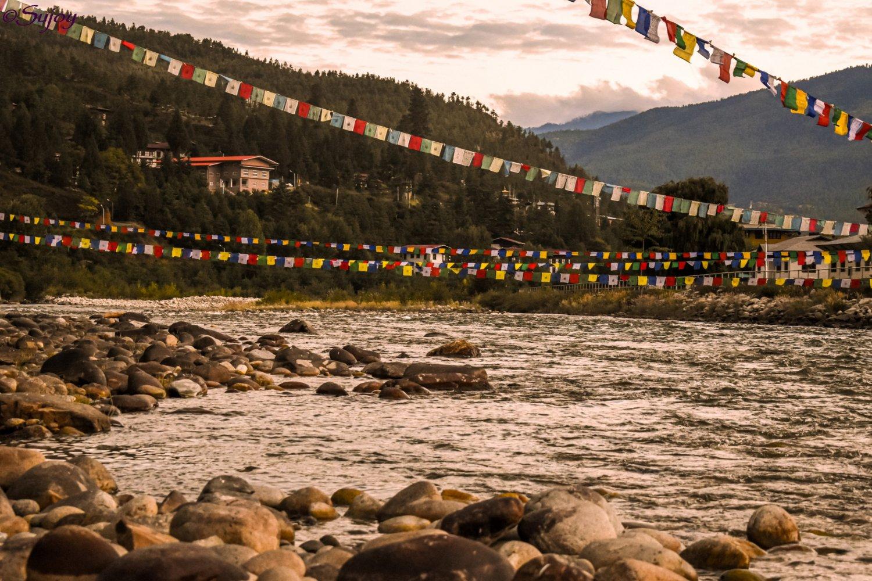 Paro Chu at paro Dzong.jpg