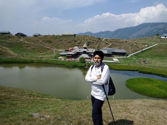 Prashar Lake 1.JPG