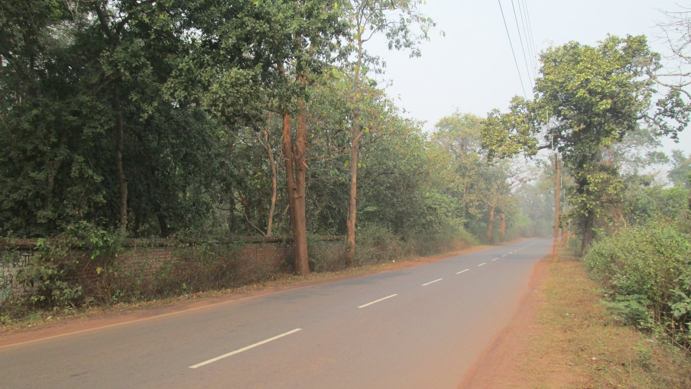 Road Condition in front of Salboni Retreat_[Reduced].jpg