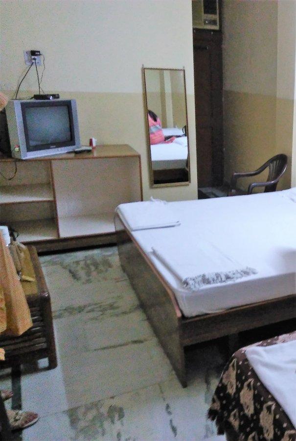 Sri Balaji Dham Ac Room - 113 (2).jpg