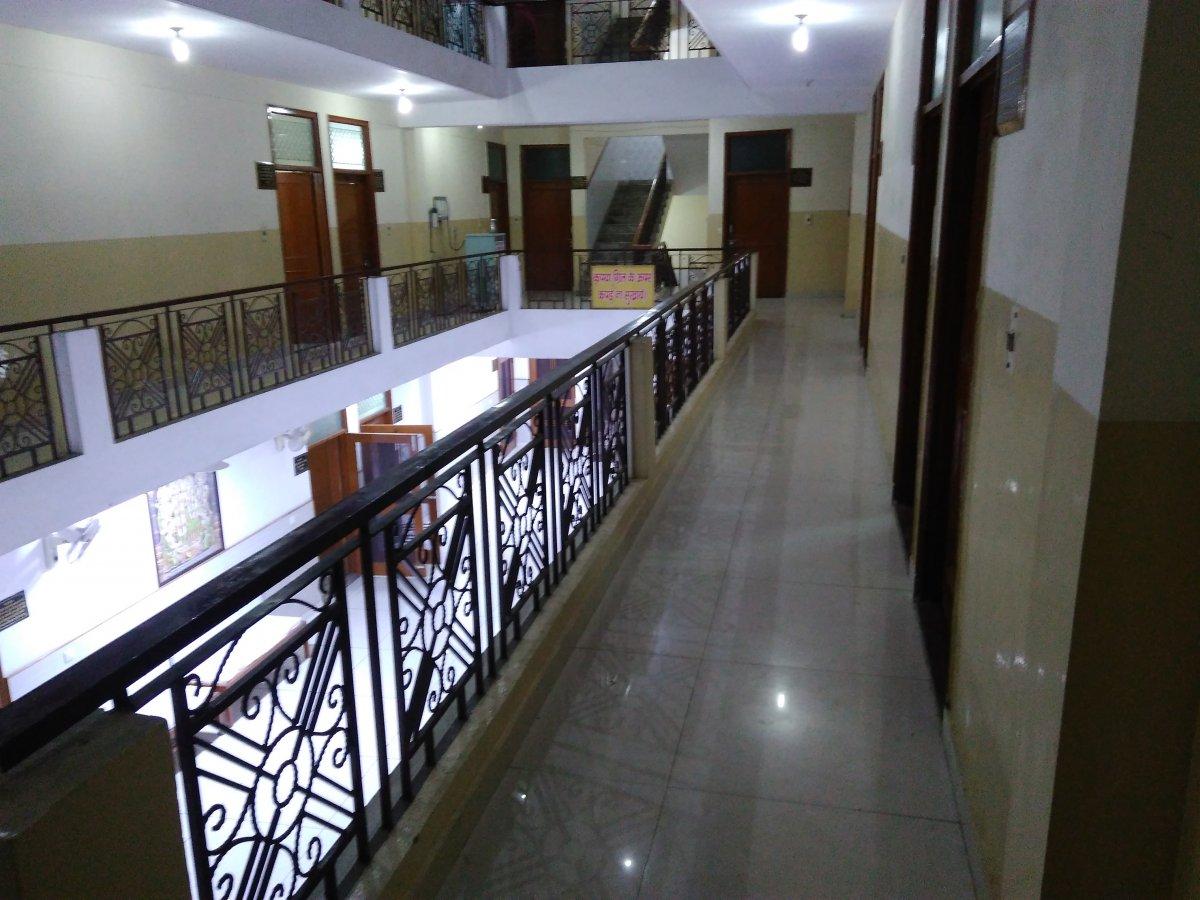 Sri Balaji Dham Ac Room - 113 (3).jpg