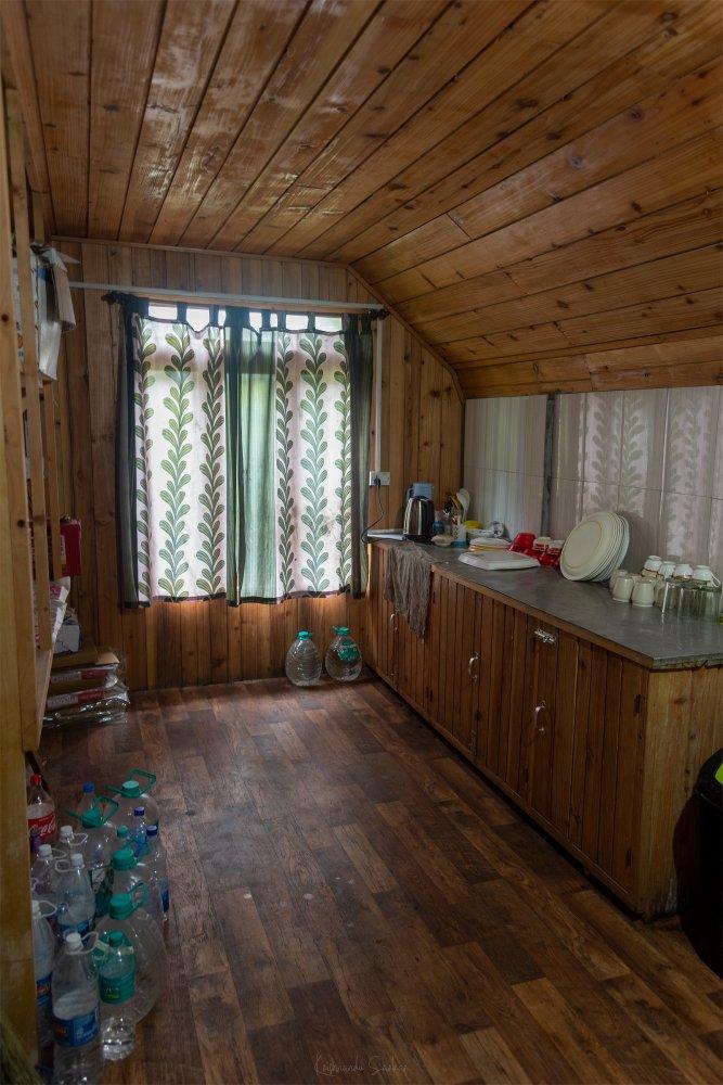 the-retreat-kitchen.jpg