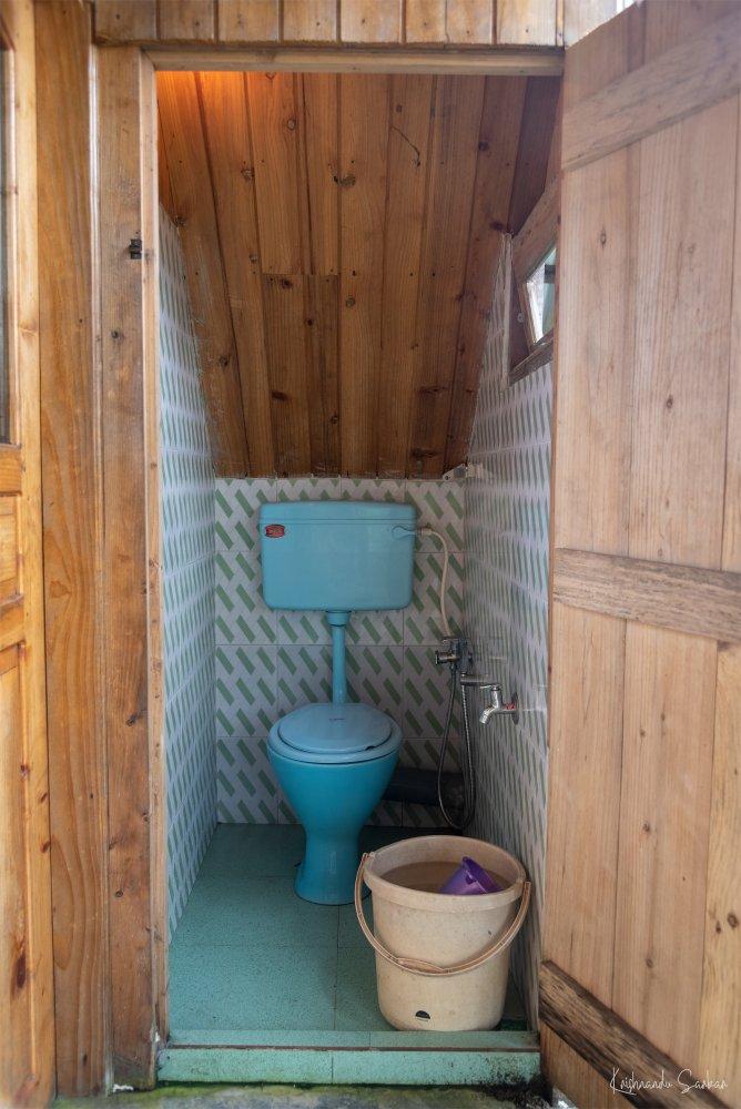 the-retreat-washroom-2.jpg