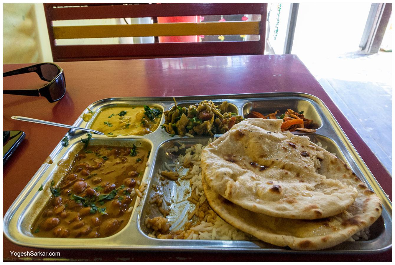 veg-thali-neha-sweets.jpg