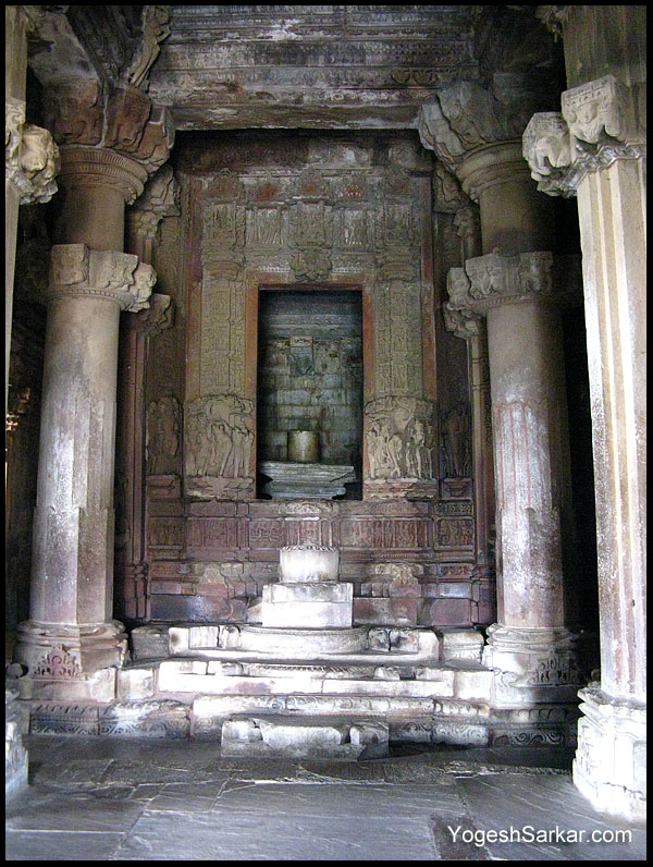 Few photographs of the statues inside the Kandariya Mahadeva TempleKandariya Mahadeva Temple Inside